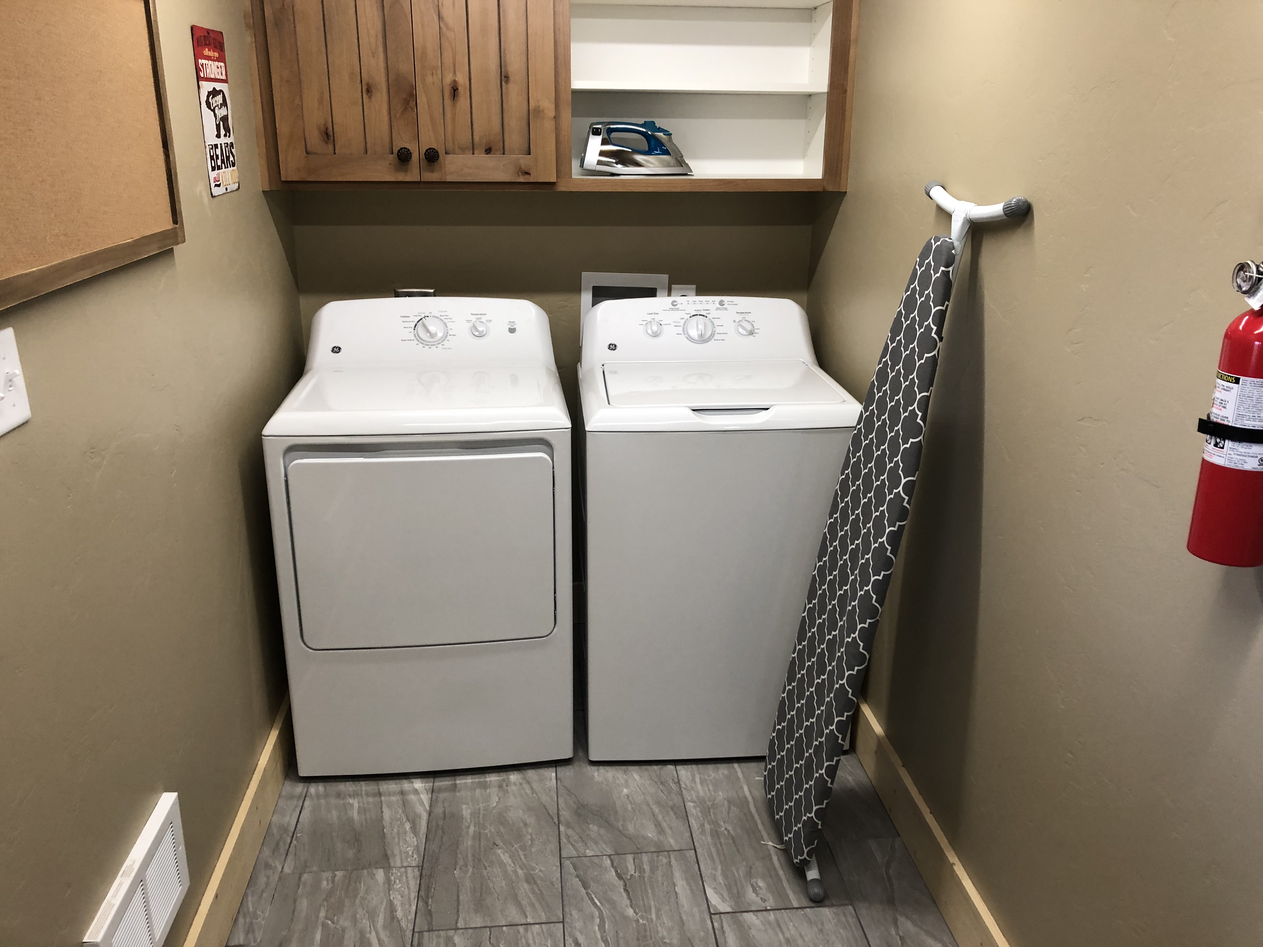washer and dryer in grizzly cabin
