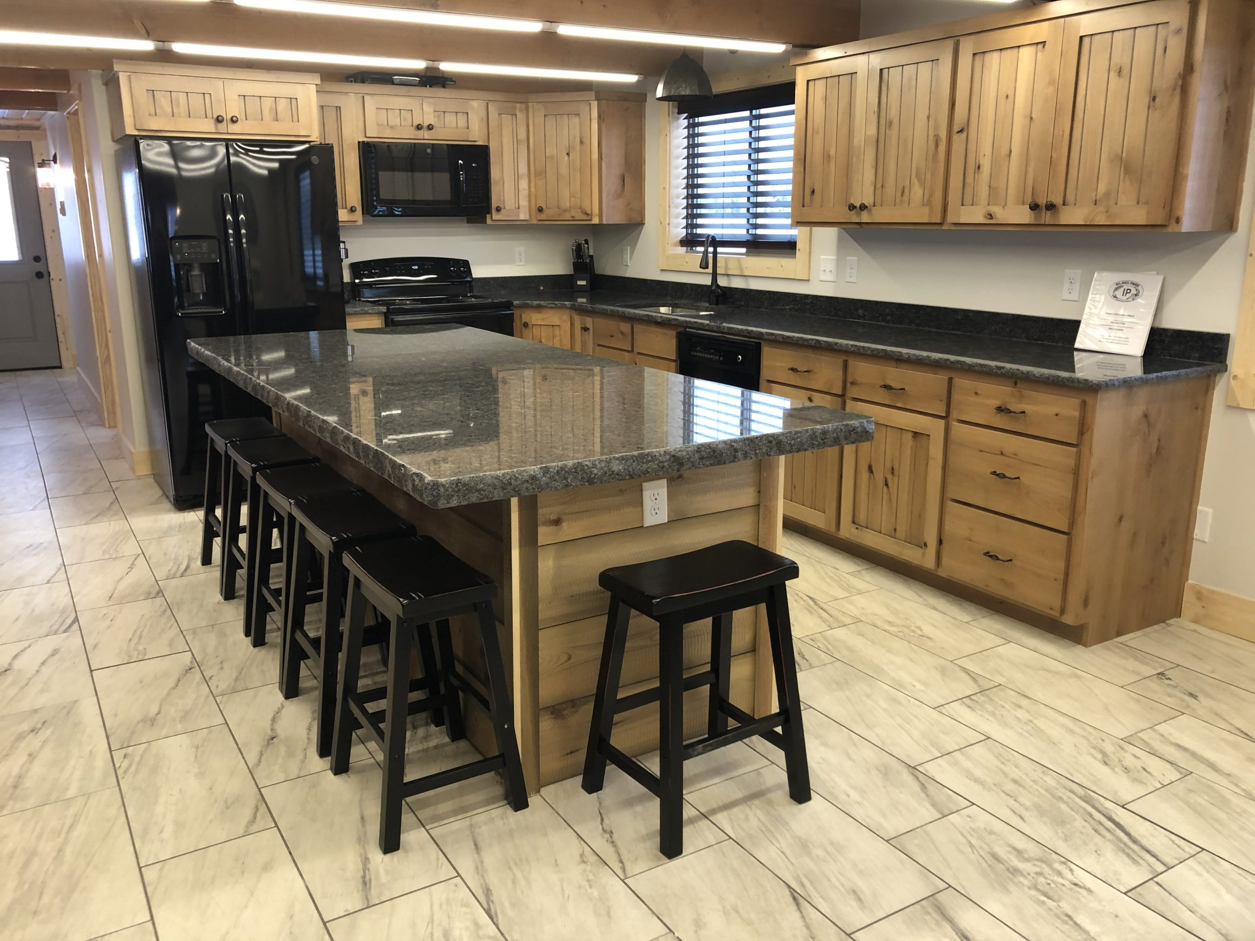 Fully equipped kitchen to enjoy meals with family and friends